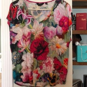 🌺TED BAKER🌼 floral print T Shirt
